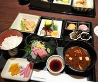 休日らしいことをした休日~その2~銀座で和食・出光美術館・丸の内でアジアごはん~ - カステラさん