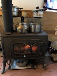 薪ストーブのある木の家 - スタジオ紡
