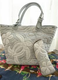バッグとメガネケース KCさん作 - ほっと一息・・~Sakura's Hawaiian QuiltⅡ