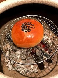 あんぱんは炭火で炙るとおどろくほど美味しくなります。 - 駄馬も千里。