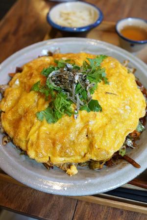 石垣島 辺銀食堂の西安(しーあん)風焼すば 四季柑ジュース - ちゅらかじとがちまやぁ