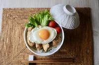 てりたまチキン丼 - カタノハナシ ~エム・エム・ヨシハシ~
