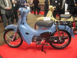 100個限定KIJIMA スーパーカブ110用ダブルシート - バイクの横輪