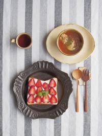 いちごトーストの朝ごはん - 陶器通販・益子焼 雑貨手作り陶器のサイトショップ 木のねのブログ