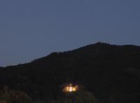 明日香岡寺三重宝塔遠望 - 魅せられて大和路