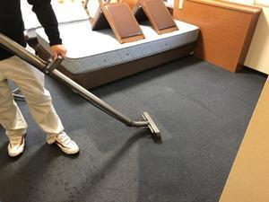 客室フロアカーペット清掃 -