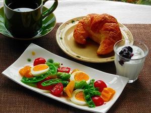 彩りきれいなスナップえんどうのサラダ - レイコさんの鹿児島スケッチ