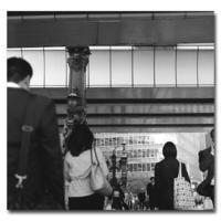 #2595行き交う人 - at the port