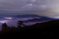 雲海~未明の鳥見山 - katsuのヘタッピ風景