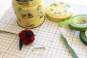 続々とコサージュを作っています - フェルタート(R)・オフフープ(R)立体刺繍作家PieniSieniのブログ