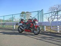 オージー兄ぃ号 ストリートトリプル675のオイル&タイヤ交換・・・(^^♪ - バイクパーツ買取・販売&バイクバッテリーのフロントロウ!