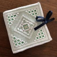 ハーダンガー刺繍のソーイングセット - きままに自由時間