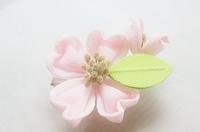 模範夏椿さんの「ハナミズキ」 - つまみ細工鶫屋(つぐみや)つれづれなるまま日記