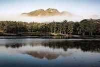 モノクロ風景いもり池 3 - 光 塗人 の デジタル フォト グラフィック アート (DIGITAL PHOTOGRAPHIC ARTWORKS)