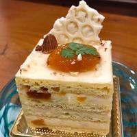 ケーキ - 宙吹きガラスの器