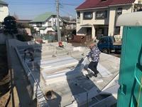 「青葉台の家」基礎断熱+基礎蓄熱暖房配管工事 - HAN環境・建築設計事務所