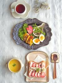 いちご+バナナトースト朝ごはん - 陶器通販・益子焼 雑貨手作り陶器のサイトショップ 木のねのブログ