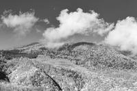 モノクロ風景妙高乙見湖 - 光 塗人 の デジタル フォト グラフィック アート (DIGITAL PHOTOGRAPHIC ARTWORKS)