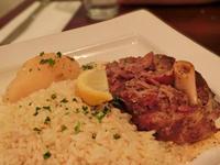 ギリシャ料理「ドルマデス」を食す:Sfinaki Greek Taverna - 海外旅行はきらいでした