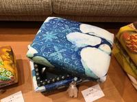 お茶箱「氷の箱」 - ///バティックあれこれ日記///