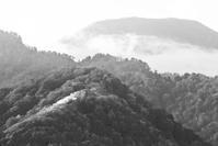 モノクロ風景妙高乙見湖 2 - 光 塗人 の デジタル フォト グラフィック アート (DIGITAL PHOTOGRAPHIC ARTWORKS)