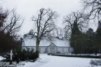 雪の中を行くショパンの生家 - SABIOの隠れ家