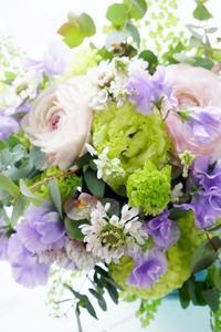 アイロニー花deデラックスブーケ - お花に囲まれて