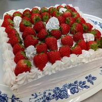 1月のお誕生ケーキ - 介護老人保健施設 大津ケアセンター ブログ