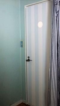 セリアでトイレドアの明かり窓をデコる - インテリア今昔 築35年
