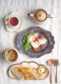 ガーリックトーストの朝ごはん - 陶器通販・益子焼 雑貨手作り陶器のサイトショップ 木のねのブログ