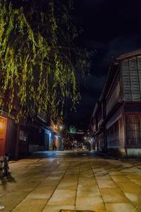 夜のひがし茶屋街 - 鏡花水月