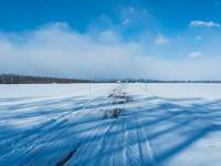 2月晴れて風の強い日・・村道を通ってピョウタンの滝へ - 十勝・中札内村「森の中の日記」~café&宿カンタベリー~