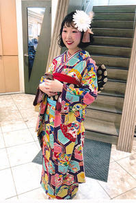 キュートな着こなし!福岡県よりお越しのお客様の成人式お振袖姿 - それいゆのおしゃれ着物スタイル