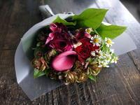 記念日に花束。「赤いバラを入れて」。2019/01/28。 - 札幌 花屋 meLL flowers