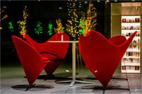赤い椅子 - 光のメロディー