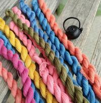 豆刺し子用の新たな糸たち♪ - サイトウ商店