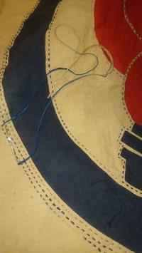 旗でスカート制作中 - 紅い風