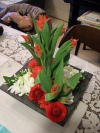 生徒さん作品『赤い花絨毯』 - Flower ID. DESIGN