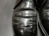 コードバンの履きジワを潰す意味があるのか。 - シューケアマイスター靴磨き工房 銀座三越店