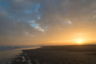 今日の夕日。 - 東に向かえば海がある