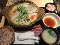 四元豚とたっぷり野菜の蒸し鍋定食@大戸屋(多摩) - よく飲むオバチャン☆本日のメニュー