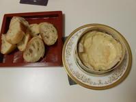 二日目のモンドールはかばんちのバゲットで。 - のび丸亭の「奥様ごはんですよ」日本ワインと日々の料理