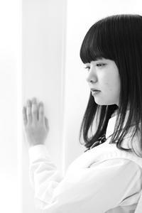 川本好華ちゃん25 - モノクロポートレート写真館