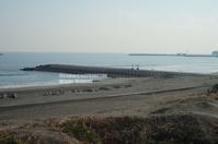 堤防脇 - surftrippper サーフィンという名の旅