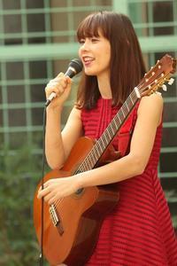 久屋大通庭園フラリエ  バレンタイン・ガーデンライブ! - 愛知・名古屋を中心に活動する女性ギタリストせきともこのブログ