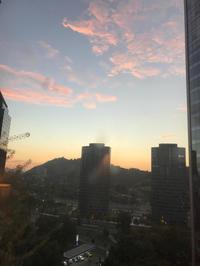 サンティアゴの夕日。 - 医師として南米をオートバイでツーリングするブログ