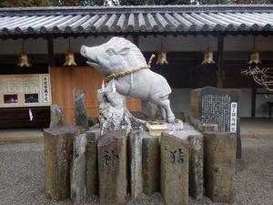 馬見岡綿向神社の神猪 - K2 HAIR へようこそ               近江八幡市 美容室 美容院