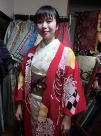アンティークの赤い羽織、印象的でした。 - 京都嵐山 着物レンタル&着付け「遊月」