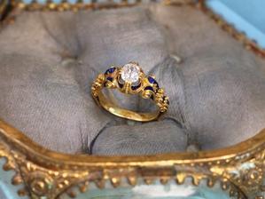 「高貴な貴方を知りたいの?」ルネッサンス・リバイバル★ソリテール・オールドマインカットダイヤモンドリング - 欧州アンティーク・ジュエリー