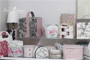 Atelier Petit Trianon   *** cartonnage & interior ***